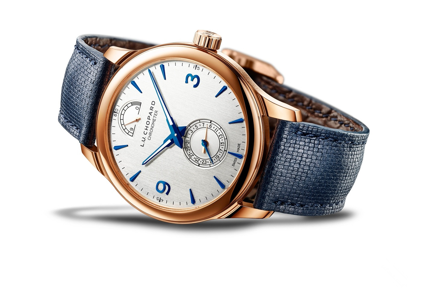 This Chopard fake watch with white dial has high texture.