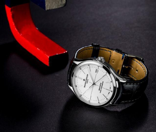 Baume & Mercier Clifton fake watches for sale are in simple design.